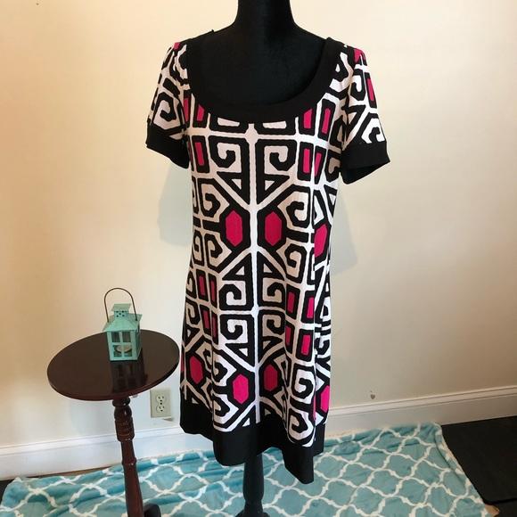 Tiana B. Dresses & Skirts - Tiana B. Silky straight dress-